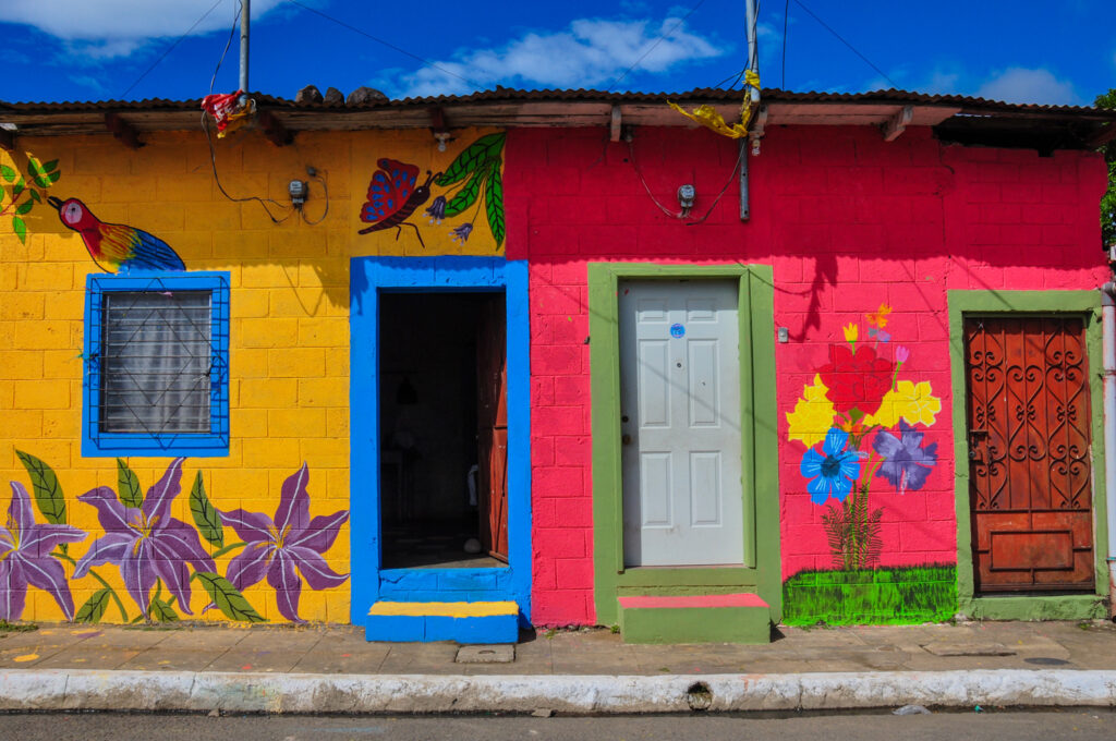 Brightly colored houses in Apaneca