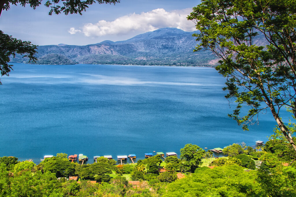 The picturesque setting of Lake Coatepeque