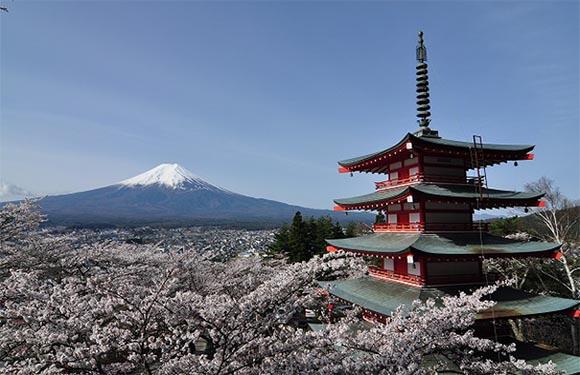 10 Reasons to Visit Japan 10