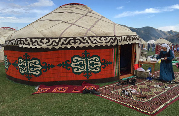 10 Reasons to Visit Kyrgyzstan 1