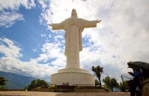 10 Reasons to Visit Bolivia 8