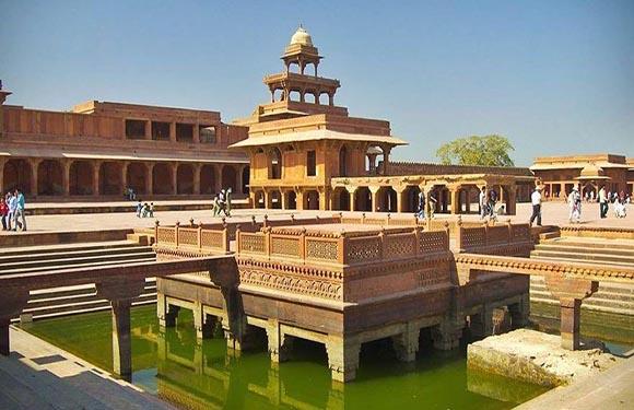 10 Reasons to Visit India 1
