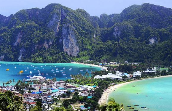 10 Reasons to Visit Thailand 1