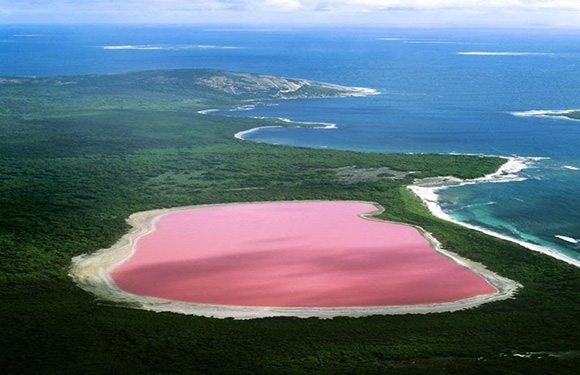 natural wonder in the world - pink lake